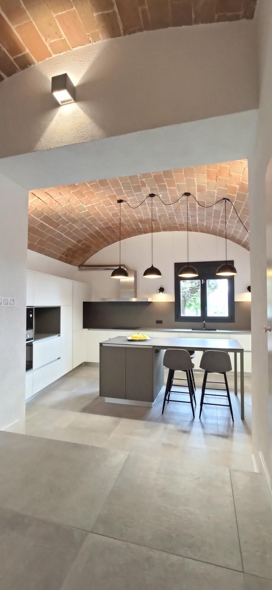 atelier4-anna-junca-interiorista-disseny-interiors-arquitectura-interior-interiorisme-banyoles-cuina-vic-costa-brava-barcelona-girona-emporda-reforma-1